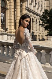 Wedding dresses Gwen Collection  Luxurious Spirit  Silhouette  A Line  Color  Cappuccino  Ivory  Neckline  Sweetheart  Sleeves  Long Sleeves  Fitted  Train  With train - foto 4