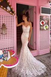 Wedding dresses Blair Collection  Highlighted Glamour  Silhouette  Fitted  Color  Ivory  Neckline  Sweetheart  Sleeves  Spaghetti Straps  Train  Detachable train - foto 4
