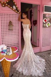 Wedding dresses Blair Collection  Highlighted Glamour  Silhouette  Fitted  Color  Ivory  Neckline  Sweetheart  Sleeves  Spaghetti Straps  Train  Detachable train - foto 5