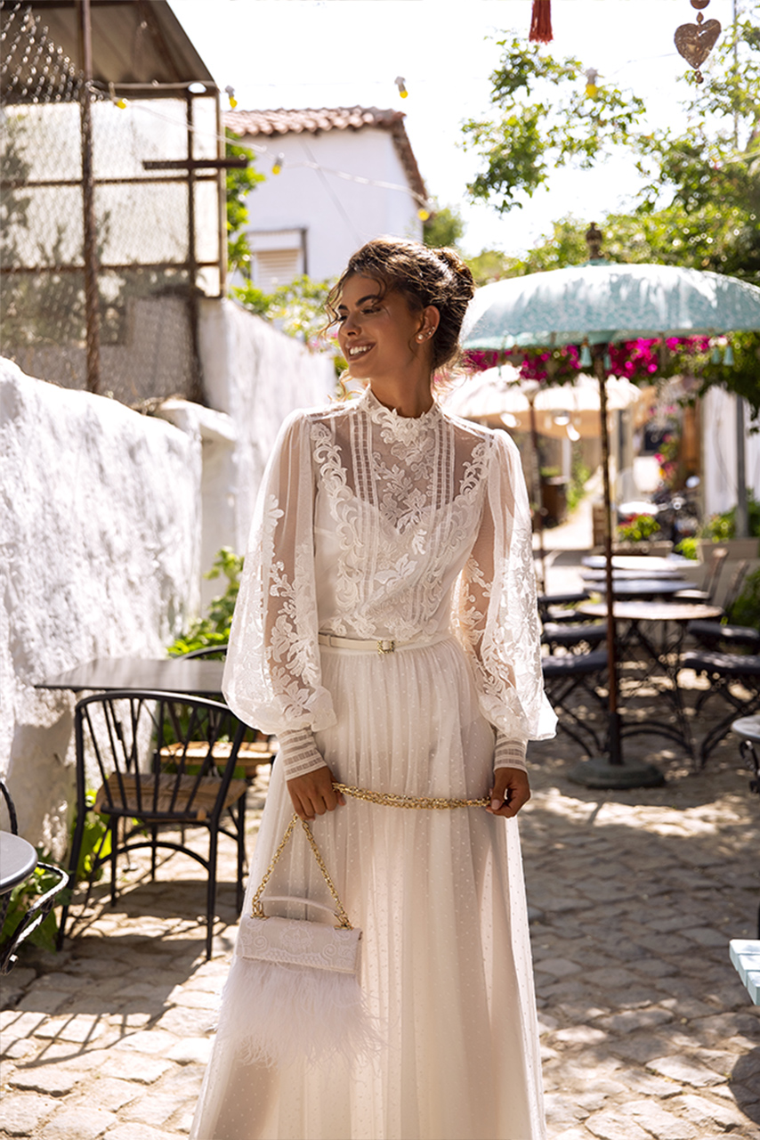 Wedding dresses Anita Collection  Highlighted Glamour  Silhouette  Sheath  Color  Ivory  Neckline  Mandarin  Sleeves  Long Sleeves  Bishop  Train  No train - foto 2