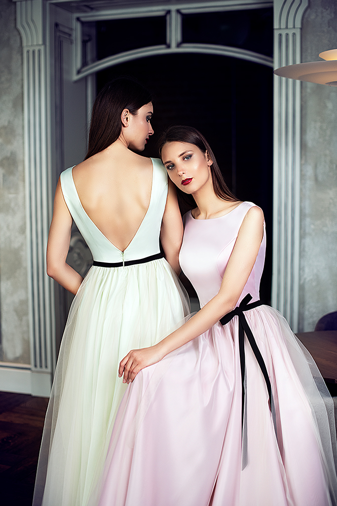 Evening Dresses 1425 Silhouette  A Line  Color  Green  Pink  Neckline  Portrait (V-neck)  Sleeves  Wide straps  Train  No train - foto 3