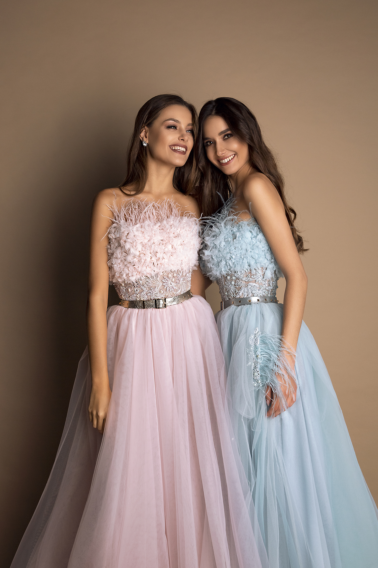 Evening Dresses 1543 Silhouette  A Line  Color  Pink  Blue  Neckline  Straight  Sleeves  Sleeveless  Train  No train - foto 2