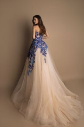 Evening Dresses 1593 Silhouette  A Line  Color  Blue  Ivory  Neckline  Straight  Sleeves  Sleeveless  Train  With train - foto 2