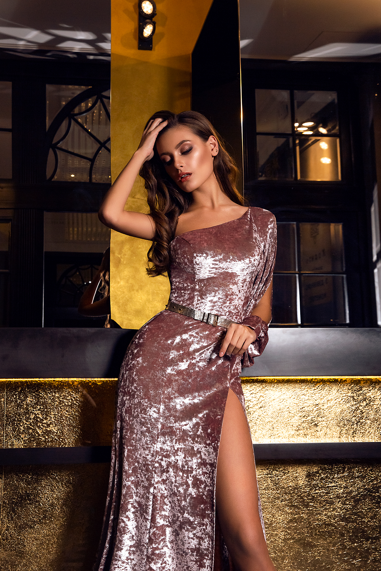 Evening Dresses 1480 Silhouette  Sheath  Color  Cappuccino  Sleeves  One Shoulder  Long Sleeves - foto 4