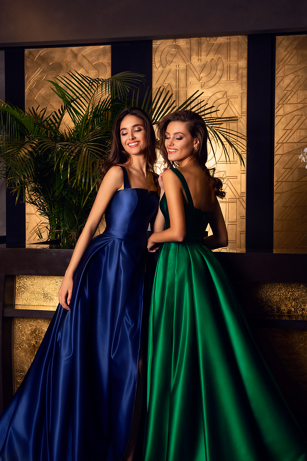 Evening Dresses 1607 Silhouette  A Line  Color  Blue  Green  Neckline  Straight  Sleeves  Wide straps - foto 4