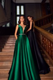 Evening Dresses 1574 Silhouette  A Line  Color  Green  Black  Neckline  Portrait (V-neck)  Illusion  Sleeves  Wide straps - foto 2