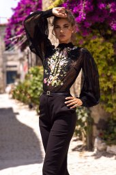 KY Atelier 1709 Collection  Rainbow  Silhouette  Sheath  Color  Black  Neckline  Mandarin  Sleeves  Bishop - foto 2
