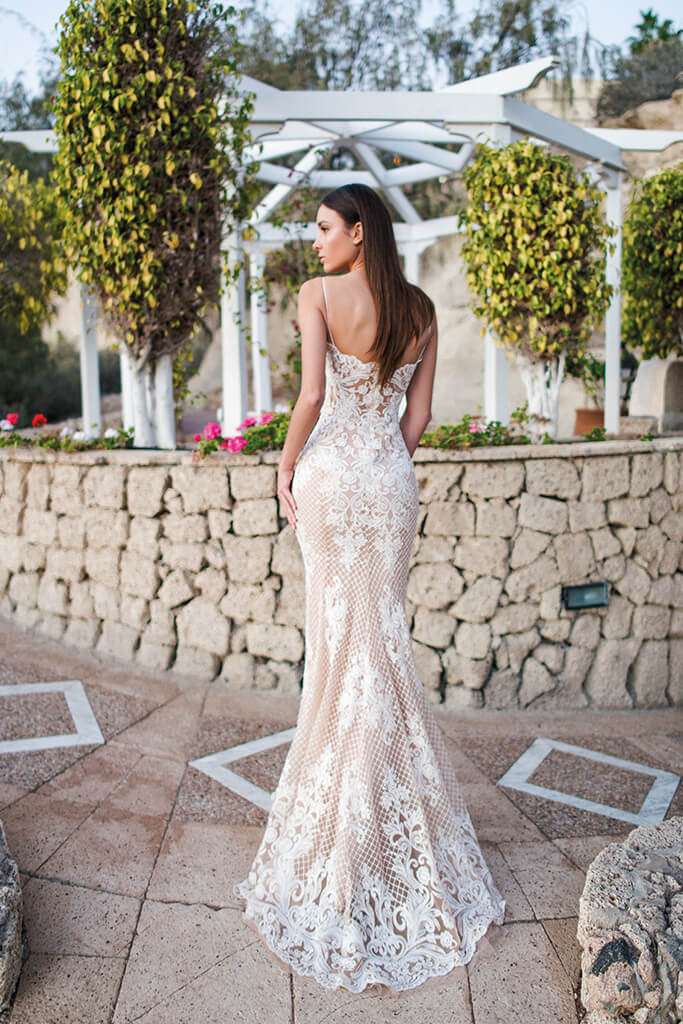 Wedding dresses Mona Collection  Fresh Touch  Silhouette  Fitted  Color  Cappuccino  Ivory  Neckline  Sweetheart  Sleeves  Spaghetti Straps  Train  No train - foto 5