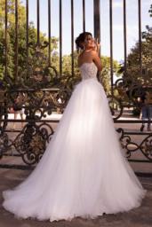 Brautkleider Meghan Kollektion  L`arome de Paris  Silhouette  A-Silhouette  Farbe  Cremeweiß   Ausschnitt  gerade  Ärmel  ärmellos  Schweif  Mit Schleppe - foto 2