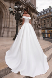 Wedding dresses Evis-1 Collection  L`arome de Paris  Silhouette  A Line  Color  Ivory  Neckline  Straight  Sleeves  Wide straps  Off the Shoulder Sleeves  Train  With train - foto 3
