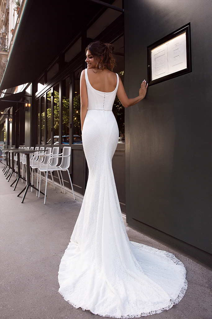 Wedding dresses Alana Collection  L`arome de Paris  Silhouette  Fitted  Color  Ivory  Neckline  Straight  Sleeves  Wide straps  Train  With train - foto 3