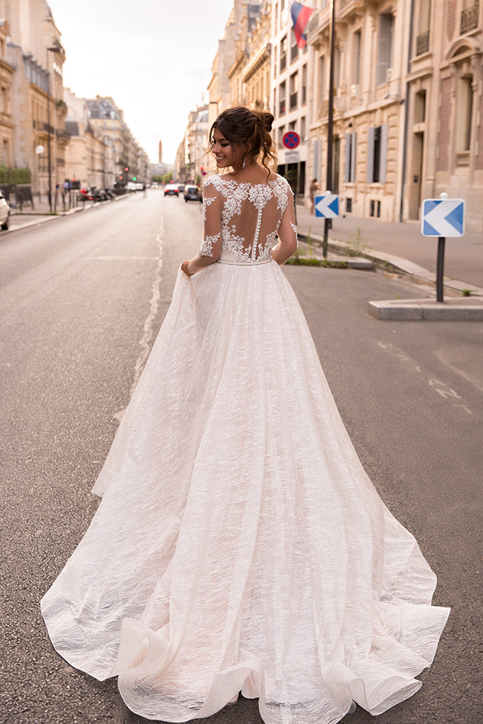 Wedding dresses Margaret Collection  L`arome de Paris  Silhouette  A Line  Color  Ivory  Neckline  Portrait (V-neck)  Illusion  Sleeves  Long Sleeves  Fitted  Train  With train - foto 3