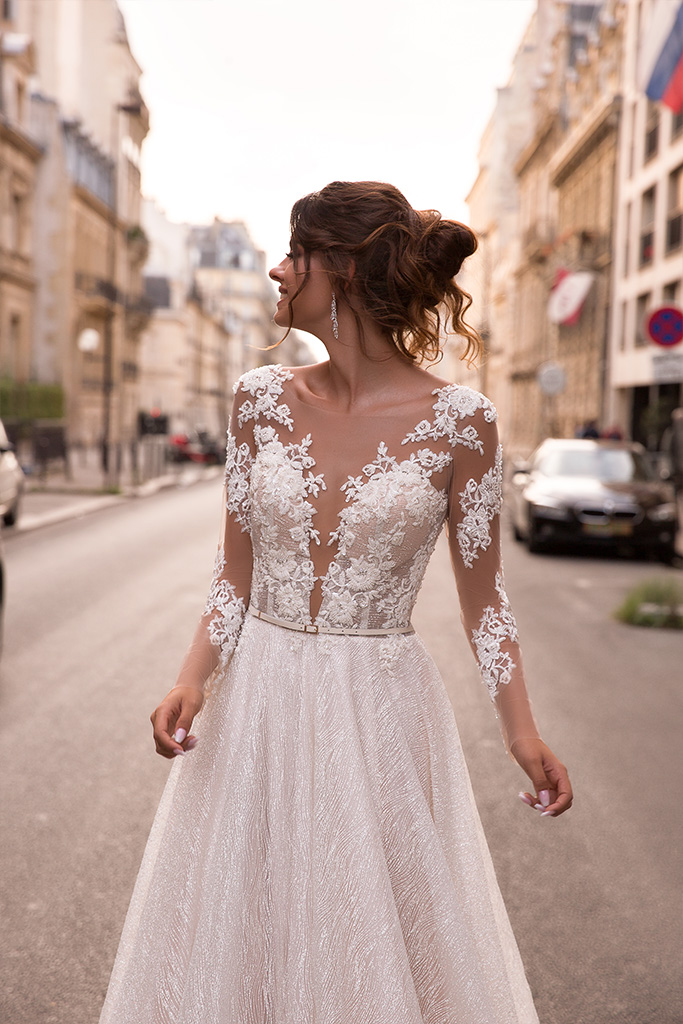 Wedding dresses Margaret Collection  L`arome de Paris  Silhouette  A Line  Color  Ivory  Neckline  Portrait (V-neck)  Illusion  Sleeves  Long Sleeves  Fitted  Train  With train - foto 2