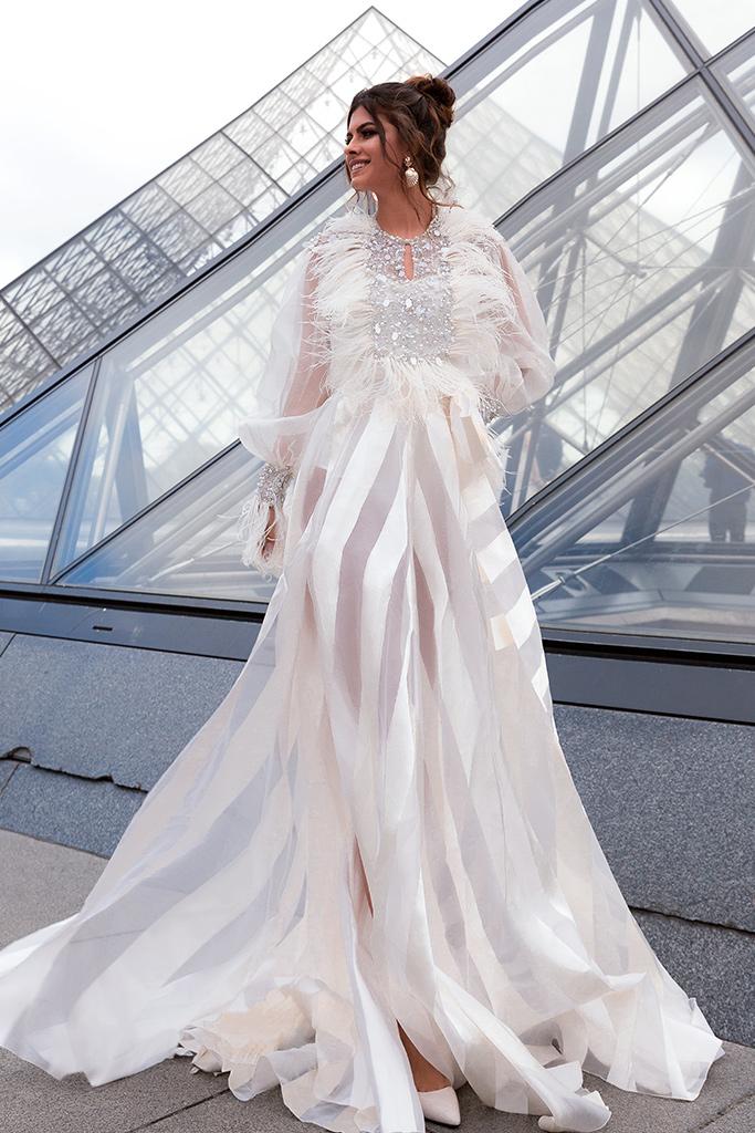 Весільні сукні Tayler-1 Колекція  L`arome de Paris  Силует  А-Силует  Колір  Кремовий  Виріз  Перлина  Рукави  Довгий  Джульєтта  Шлейф  З шлейфом - Фото 2