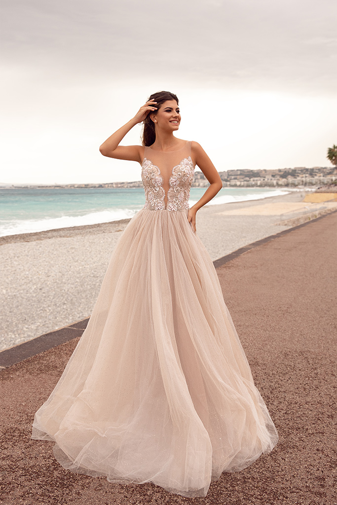 Wedding dresses Love Collection  Côte d'Azur  Silhouette  A Line  Color  Ivory  Neckline  Portrait (V-neck)  Sleeves  Illusion Straps  Train  With train - foto 2