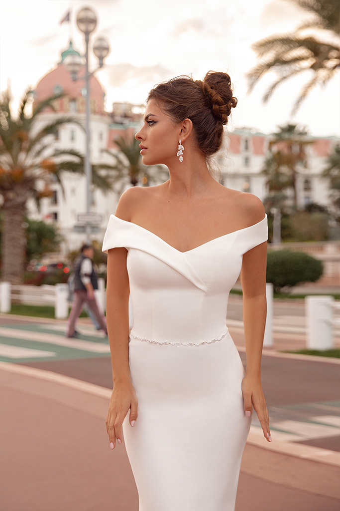 Wedding dresses Clio Collection  Côte d'Azur  Silhouette  Fitted  Color  Ivory  Neckline  Sweetheart  Sleeves  Wide straps  Off the Shoulder Sleeves  Train  No train - foto 2