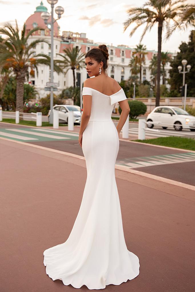 Suknie ślubne Clio Kolekcja  Côte d'Azur  Sylwetka  Dopasowana sukienka   Kolor  Kremowy  Dekolt  Dekolt w kształcie serca  Rękawy  Szerokie ramiączka  Opuszczony  Flex  Bez trenu - foto 4