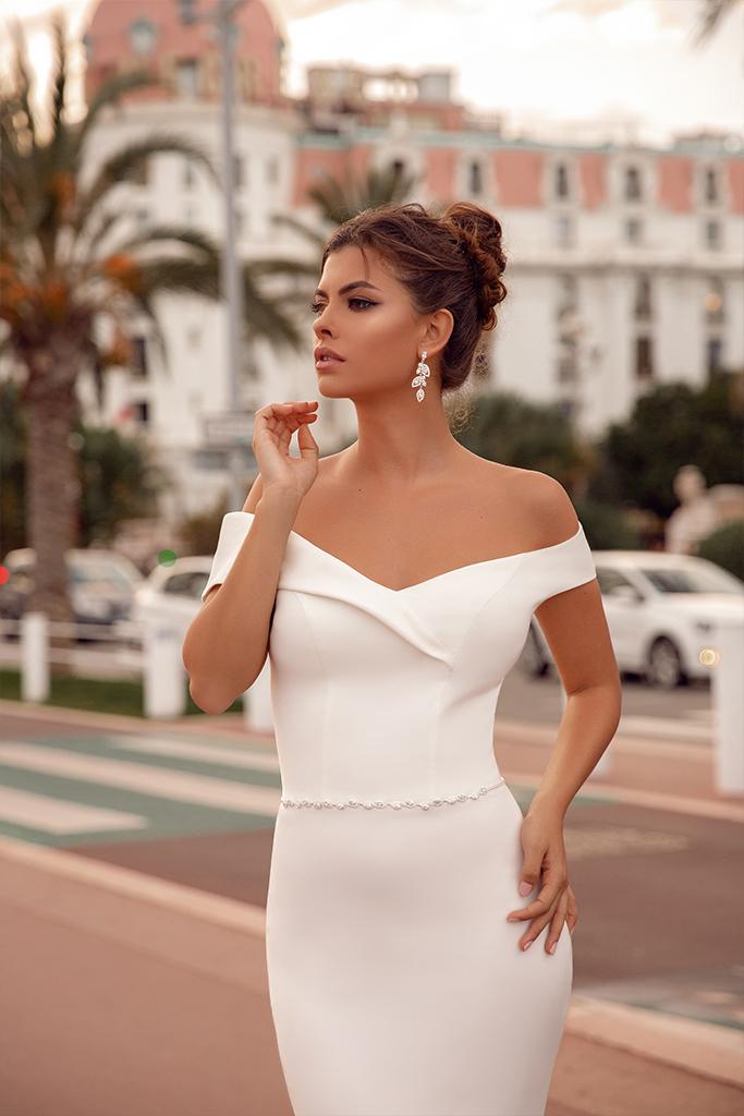 Suknie ślubne Clio Kolekcja  Côte d'Azur  Sylwetka  Dopasowana sukienka   Kolor  Kremowy  Dekolt  Dekolt w kształcie serca  Rękawy  Szerokie ramiączka  Opuszczony  Flex  Bez trenu - foto 3