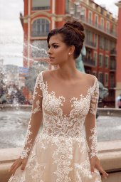 Wedding dresses Sophia Collection  Côte d'Azur  Silhouette  A Line  Color  Cappuccino  Ivory  Neckline  Sweetheart  Portrait (V-neck)  Sleeves  Long Sleeves  Fitted  Train  No train - foto 3
