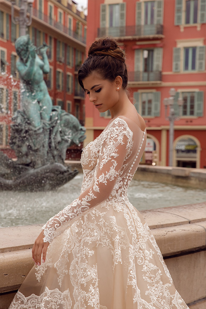 Wedding dresses Sophia Collection  Côte d'Azur  Silhouette  A Line  Color  Cappuccino  Ivory  Neckline  Sweetheart  Portrait (V-neck)  Sleeves  Long Sleeves  Fitted  Train  No train - foto 5
