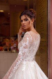 Wedding dresses Fibi Collection  Côte d'Azur  Silhouette  A Line  Color  Blush  Ivory  Neckline  Jewel  Sleeves  Long Sleeves  Fitted  Train  With train - foto 4