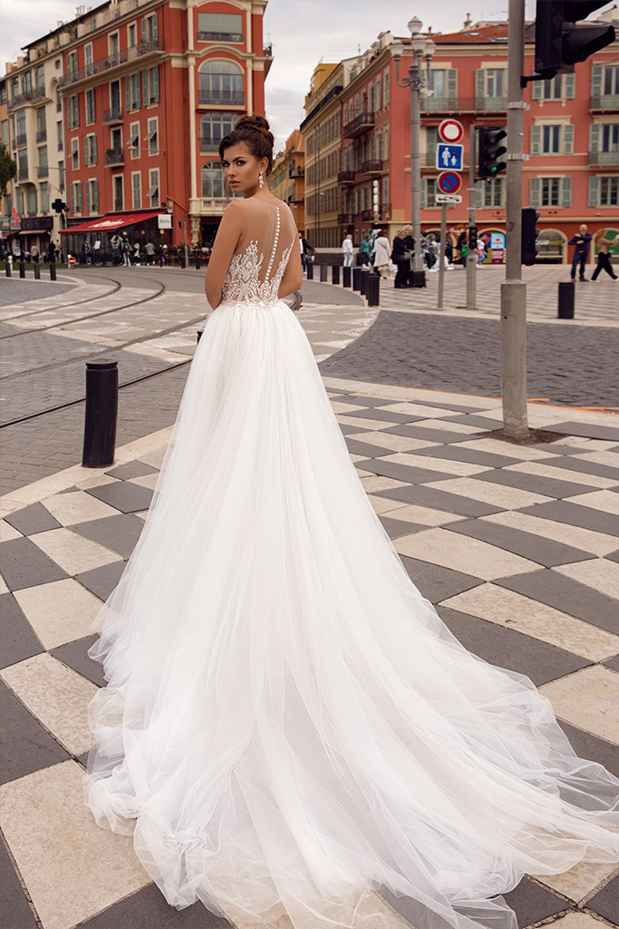 Wedding dresses Sephora Collection  Côte d'Azur  Silhouette  Fitted  A Line  Color  Blush  Ivory  Neckline  Sweetheart  Portrait (V-neck)  Sleeves  Illusion Straps  Train  Detachable train - foto 3