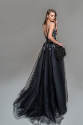 Evening Dresses 1776 Silhouette  A Line  Color  Black  Neckline  Sweetheart  Sleeves  Wide straps  Illusion Straps  Train  No train - foto 4