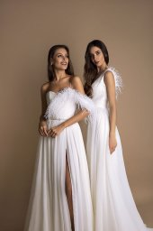 Wedding dresses Coco Collection  New Look  Silhouette  A Line  Color  Ivory  Neckline  Sweetheart  Sleeves  Spaghetti Straps  Train  With train - foto 3