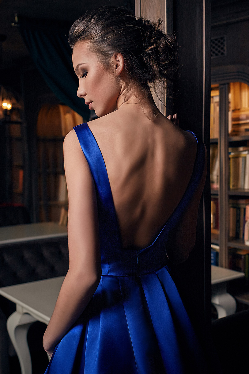 Evening gowns 1231 blue Silhouette  A Line  Color  Blue  Red  Neckline  Straight  Sleeves  Wide straps  Train  With train - foto 3