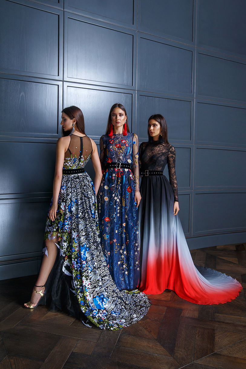 Evening gowns 1352 Silhouette  A Line  Color  Multi  Neckline  Halter  Bateau (Boat Neck)  Sleeves  Wide straps  Train  With train - foto 2