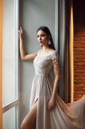Evening gowns 1397 Silhouette  A Line  Color  Blush  Neckline  Portrait (V-neck)  Sleeves  3/4 Sleeves  Train  No train - foto 2