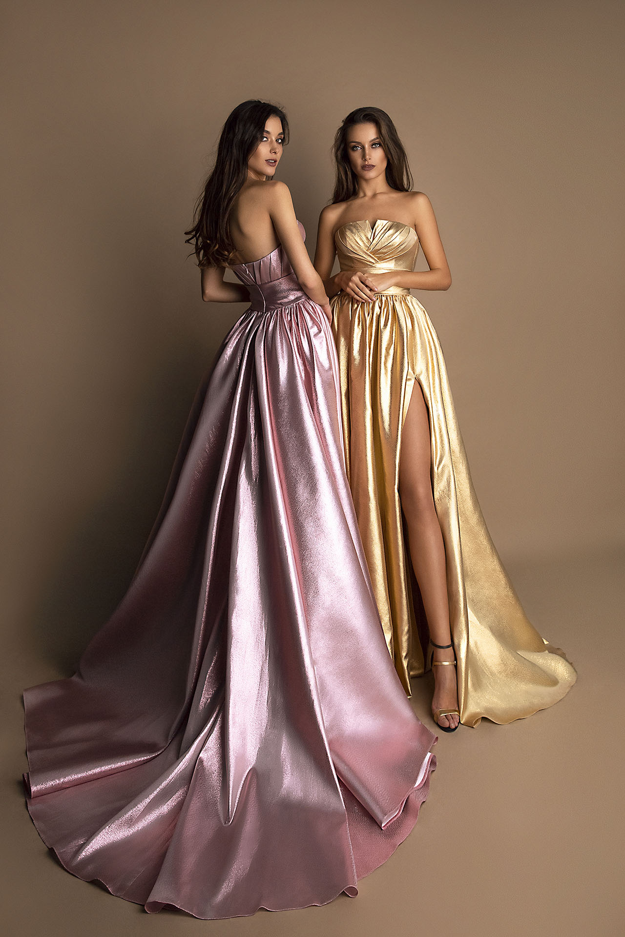 SUKIENKI WIECZOROWE 1610 golden Sylwetka  Balowa suknia   Kolor  Różowy  Złoty  Dekolt  Prosty  Rękawy  Bez rękawów  Flex  Bez trenu - foto 2