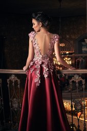 Evening gowns S-1233 Silhouette  A Line  Color  Claret  Neckline  Portrait (V-neck)  Illusion  Sleeves  Wide straps  Illusion Straps  Train  With train - foto 2