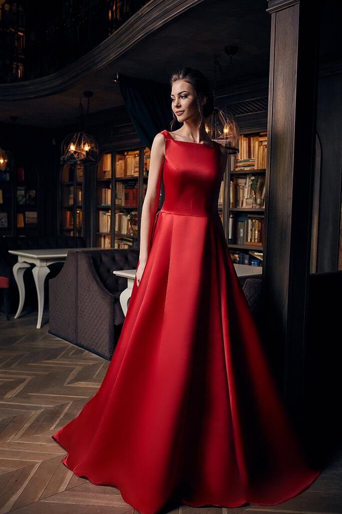 SUKIENKI WIECZOROWE S-1276 Sylwetka  Balowa suknia   Kolor  Red  Dekolt  Prosty  Rękawy  Szerokie ramiączka  Flex  Z trenem - foto 2