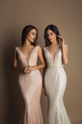 Evening gowns S-1608 blush Silhouette  Fitted  A Line  Color  Blush  Neckline  Portrait (V-neck)  Sleeves  Wide straps  Train  Detachable train - foto 4