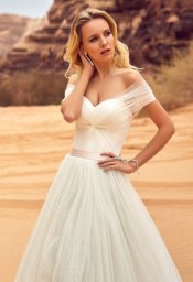 Wedding dresses Lila Collection  Voyage  Silhouette  A Line  Color  Ivory  Neckline  Sweetheart  Sleeves  Wide straps  Off the Shoulder Sleeves  Train  With train - foto 2