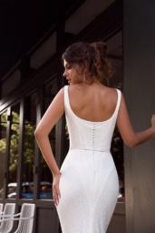 Suknie ślubne Alana Kolekcja  L`arome de Paris  Sylwetka  Dopasowana sukienka   Kolor  Kremowy  Dekolt  Prosty  Rękawy  Szerokie ramiączka  Flex  Z trenem - foto 4