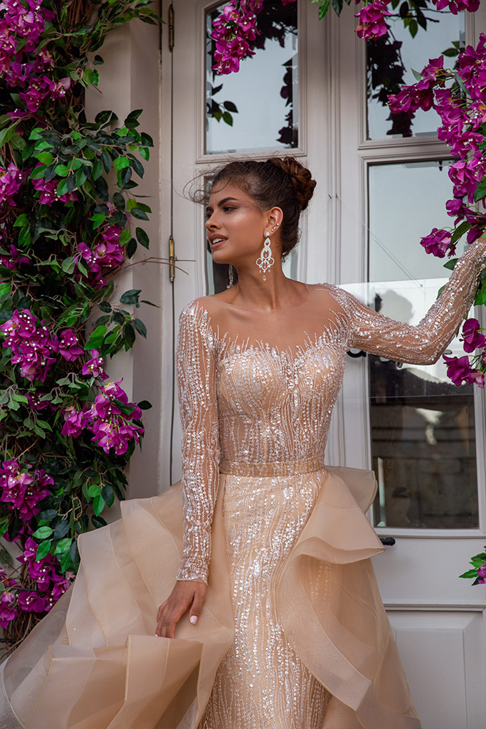 Wedding dresses Jill Collection  Highlighted Glamour  Silhouette  Fitted  Color  Silver  Cappuccino  Neckline  Sweetheart  Sleeves  Long Sleeves  Fitted  Train  Detachable train - foto 7
