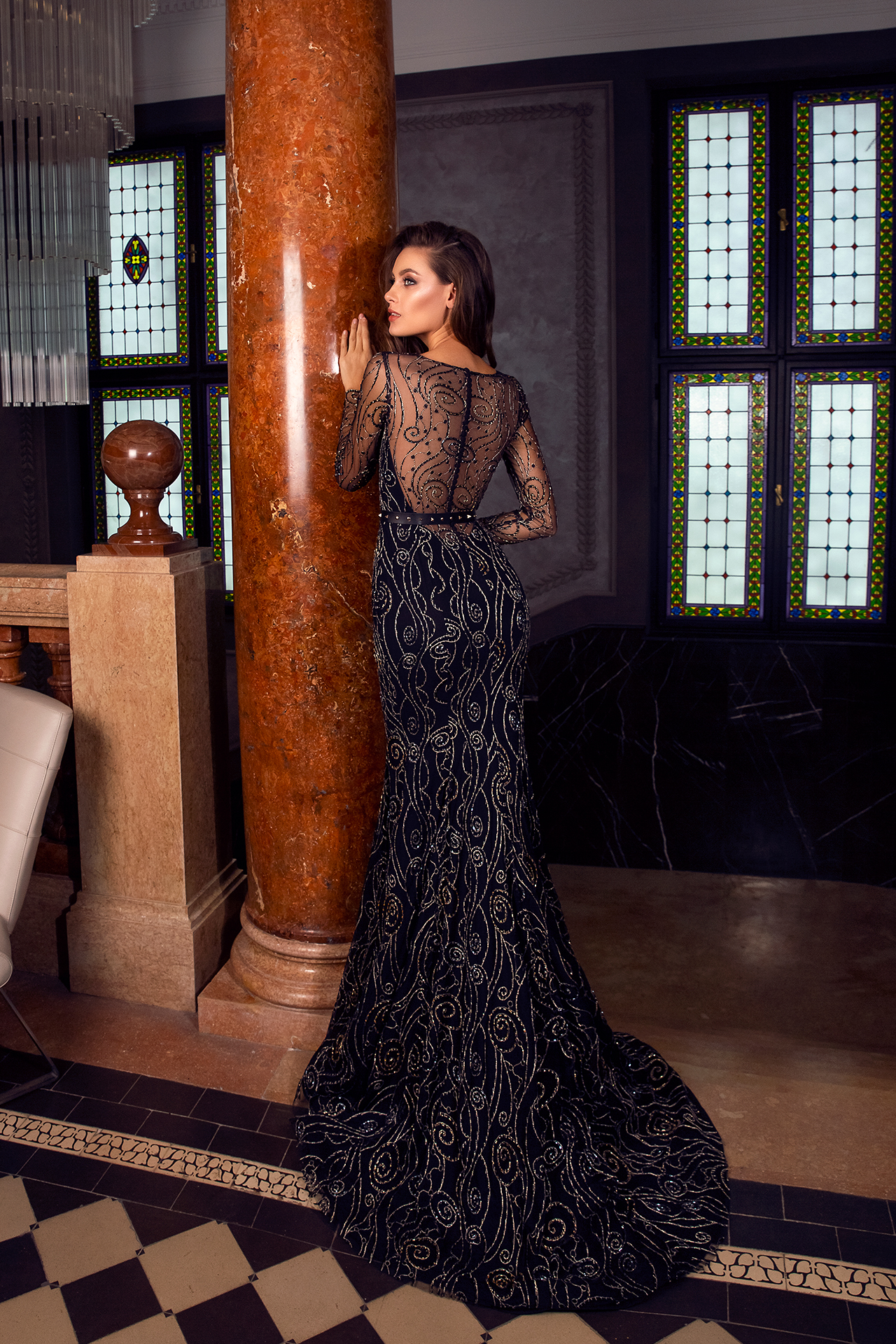 Evening gowns S-1487 Silhouette  Fitted  Color  Black  Neckline  Portrait (V-neck)  Sleeves  Long Sleeves  Fitted - foto 3