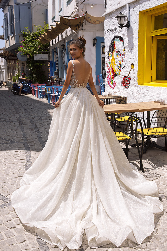 Wedding dresses Anabel Collection  Highlighted Glamour  Silhouette  Fitted  Color  Silver  Ivory  Neckline  Sweetheart  Sleeves  Wide straps  Train  Detachable train - foto 2