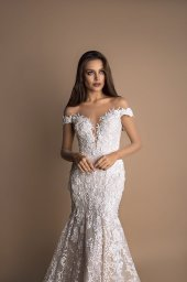 Wedding dresses Ulla Collection  New Look  Silhouette  Fitted  Color  Cappuccino  Ivory  Neckline  Sweetheart  Portrait (V-neck)  Illusion  Sleeves  Off the Shoulder Sleeves  Train  With train - foto 2
