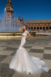 Wedding dresses Adalyn Collection  Iconic Look  Silhouette  Mermaid  Color  Cappuccino  Neckline  Sweetheart  Bateau (Boat Neck)  Sleeves  Petal  Train  With train - foto 2