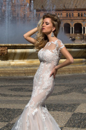 Wedding dresses Adalyn Collection  Iconic Look  Silhouette  Mermaid  Color  Cappuccino  Neckline  Sweetheart  Bateau (Boat Neck)  Sleeves  Petal  Train  With train - foto 3