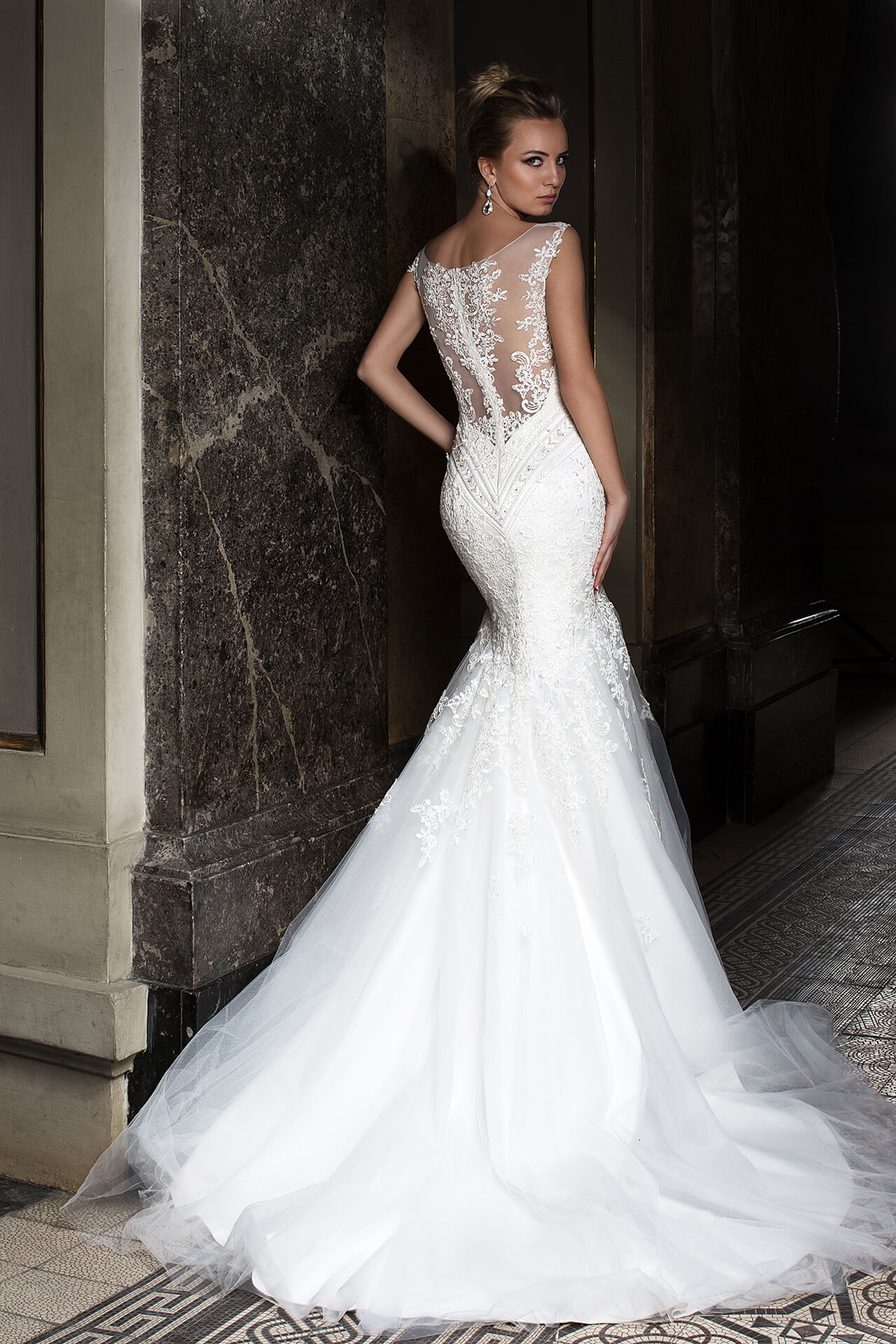Wedding dresses Anrietta Collection  Supreme Classic  Silhouette  Mermaid  Color  Ivory  Neckline  Sweetheart  Illusion  Sleeves  Wide straps  Train  With train - foto 3