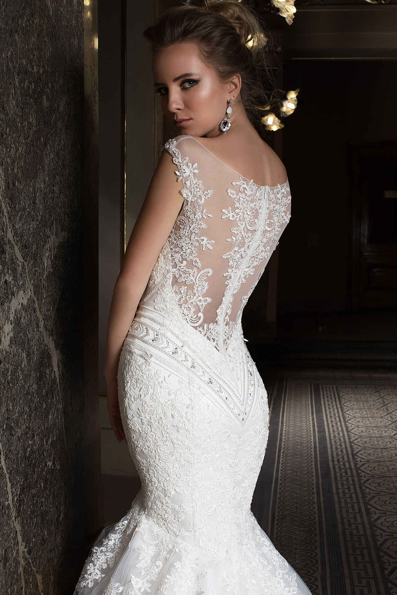 Wedding dresses Anrietta Collection  Supreme Classic  Silhouette  Mermaid  Color  Ivory  Neckline  Sweetheart  Illusion  Sleeves  Wide straps  Train  With train - foto 4