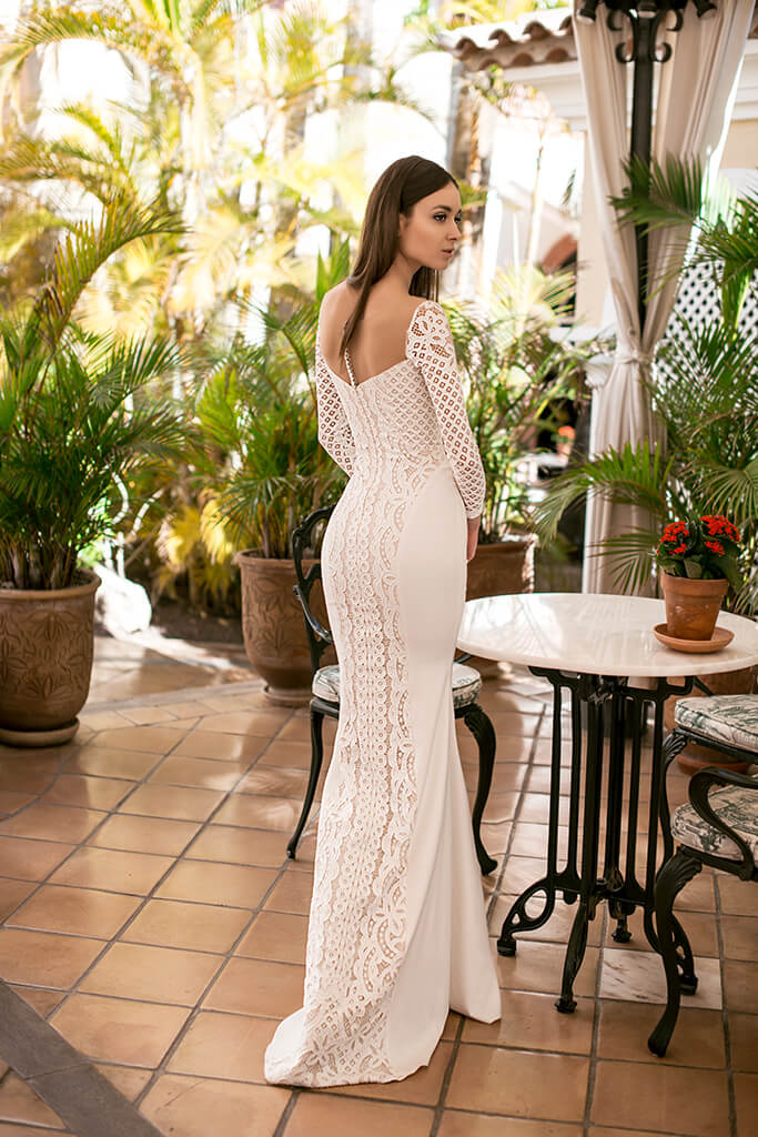 Wedding dresses Daira Collection  Lisbon Lace  Silhouette  Fitted  Color  Ivory  Neckline  Straight  Sleeves  Long Sleeves  Fitted  Train  No train - foto 4