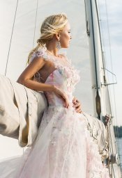 Wedding dresses Florain Collection  Voyage  Silhouette  A Line  Color  Multi  Pink  Ivory  Neckline  Sweetheart  Illusion  Sleeves  Wide straps  Train  With train - foto 3