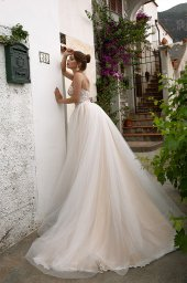 Wedding dresses Elma Collection  Dolce Italia  Silhouette  A Line  Color  Cappuccino  Ivory  Neckline  Sweetheart  Sleeves  Spaghetti Straps  Train  With train - foto 2