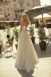 Wedding dresses Celine Collection  City Passion  Silhouette  A Line  Color  Silver  Ivory  Neckline  Sweetheart  Sleeves  Sleeveless  Train  With train - foto 3