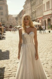 Wedding dresses Celine Collection  City Passion  Silhouette  A Line  Color  Silver  Ivory  Neckline  Sweetheart  Sleeves  Sleeveless  Train  With train - foto 4